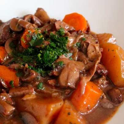 Champignons et tofu à la bourguignonne